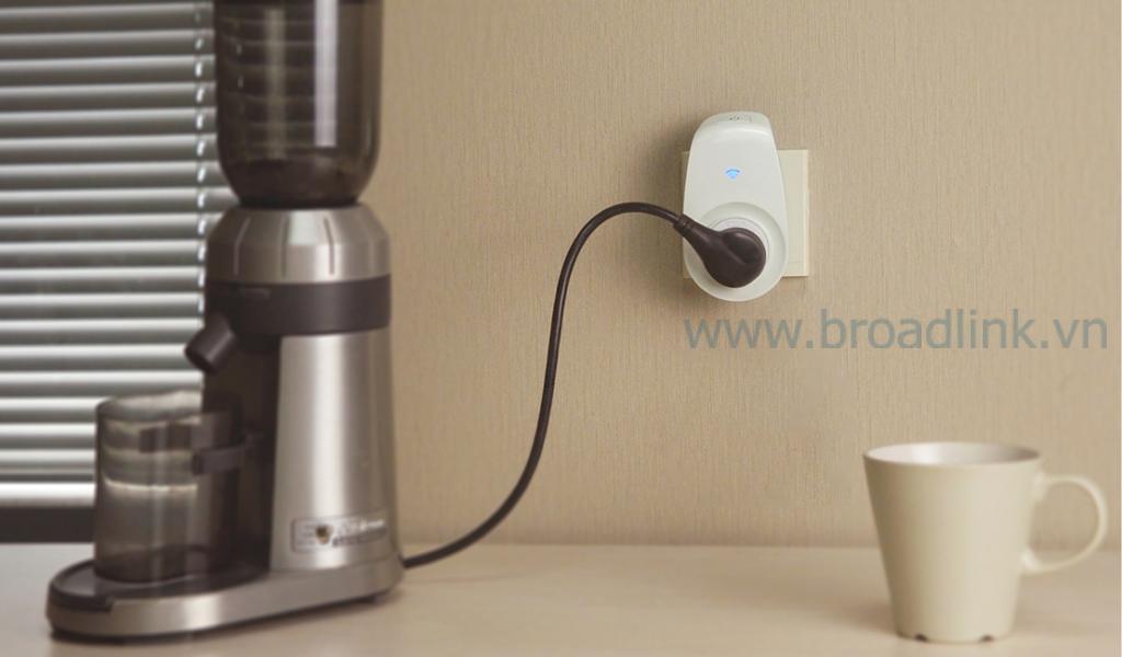 Ổ cắm thông minh wifi Broadlink SP2