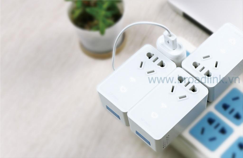 Ổ cắm thông minh Wifi Broadlink SP-Mini nhỏ gọn